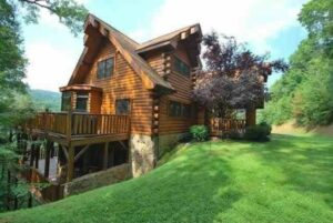 Front view Roaring fork Lodge