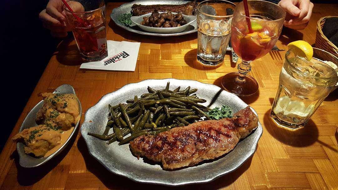 the peddlers steakhouse restaurant gatlinburg tn